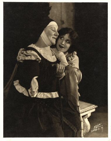 White Studio. [Jessie Ralph as the Nurse and Jane Cowl as Juliet.] 1923. Museum of the City of New York. 27.75.4