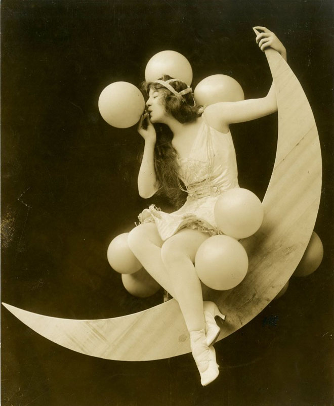 Sybil Carmen in the Ziegfeld Midnight Frolic, 1915. From the Theater Collection. Museum of the City of New York, 59.271.16