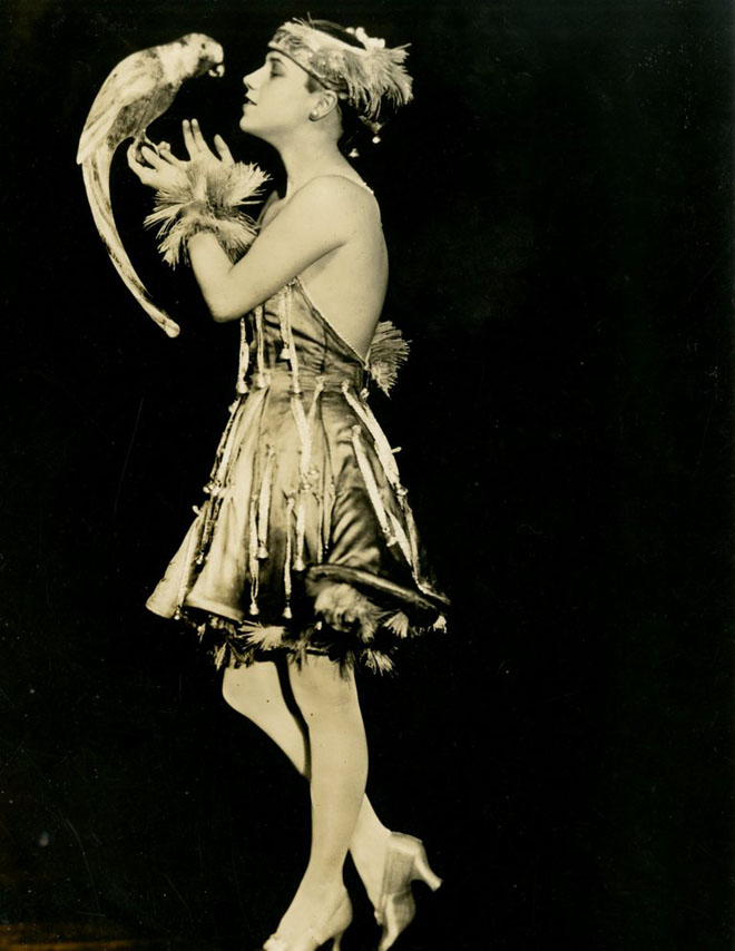 Frances White in the Midnight Frolic, 1917. From the Theater Collection. Museum of the City of New York, 74.92.31