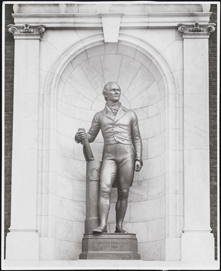 United States Work Projects Administration. [Statue of Alexander Hamilton outside the Museum of the City of New York], ca. 1945. MCNY X2010.11.10382.