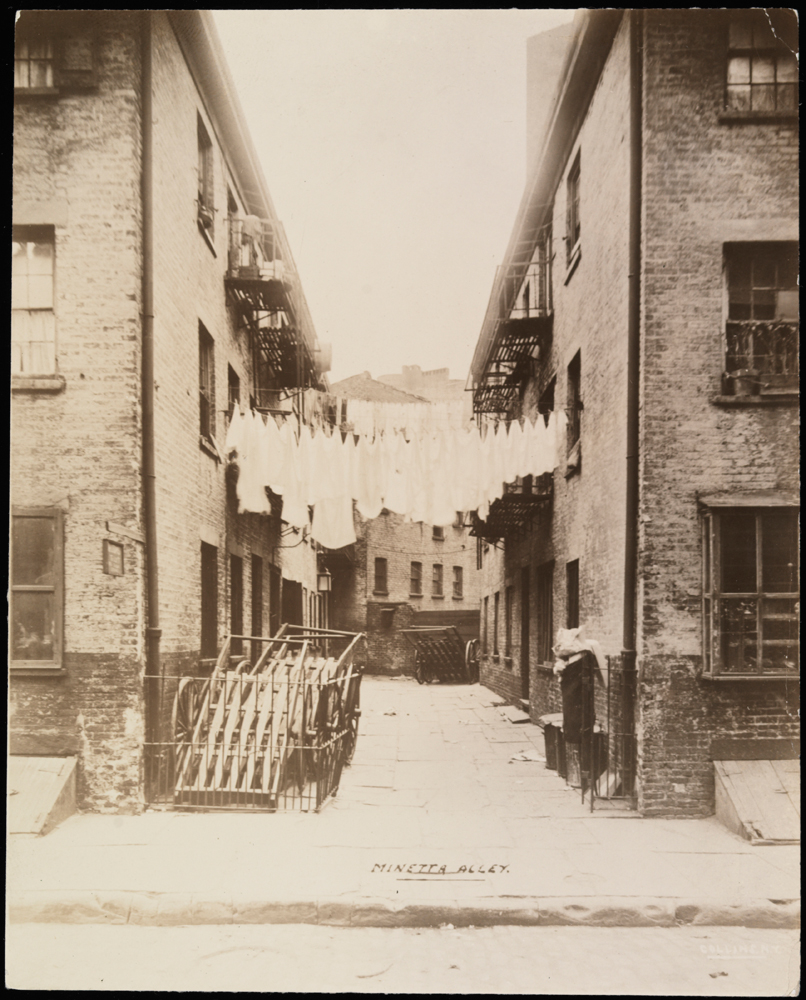 Photographer unknown. Minetta Alley. ca. 1900. Museum of the City of New York. X2010.11.2570