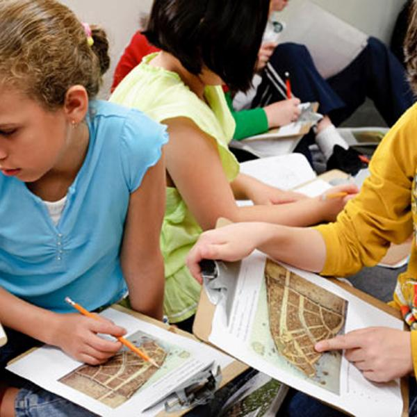 Kids doing activities at Summer Field Camps at the Museum of the City of New York