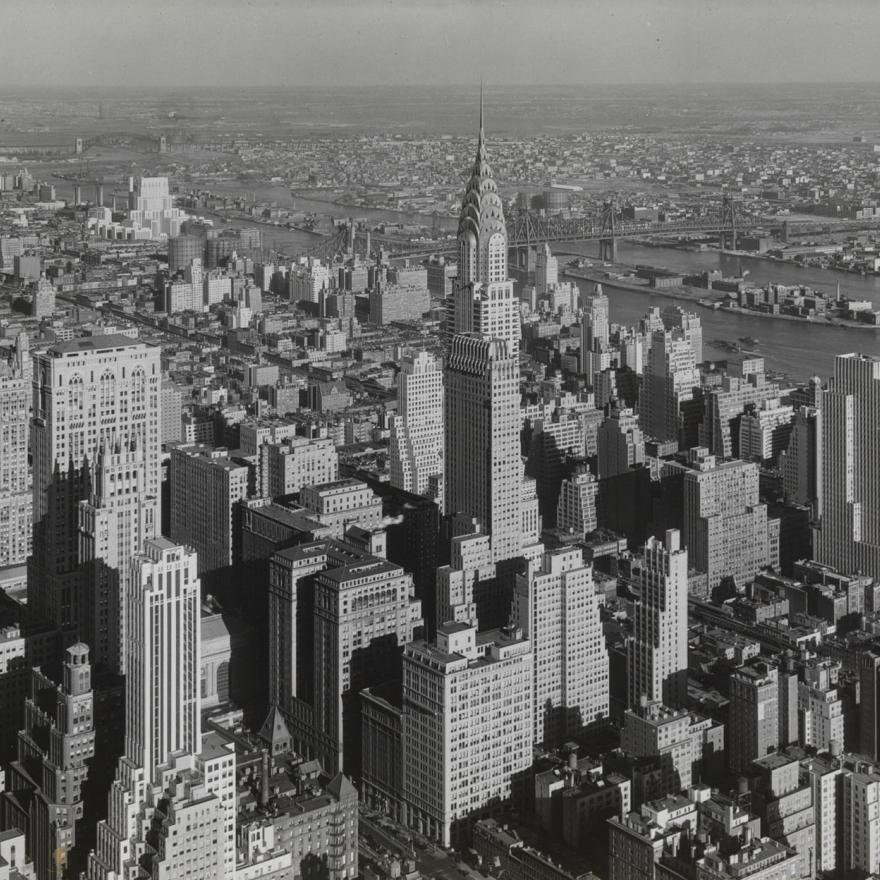 Manhattan, looking north-east, 1932 Photograph by Samuel H. Gottscho Museum of the City of New York, 39.20.2