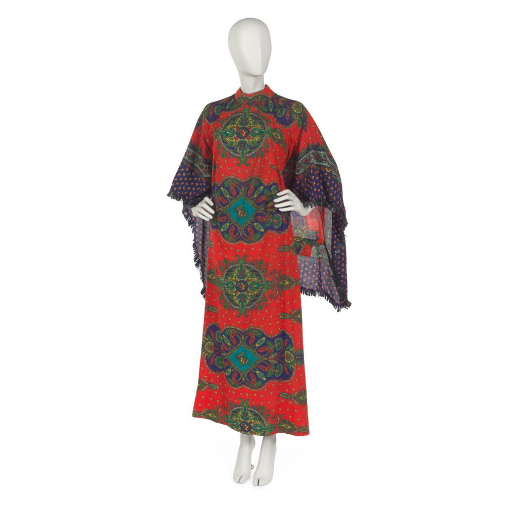 鲁比·风信子·贝利(Ruby Hyacinth Bailey)的《非洲说话》长衫,1963-1966年。