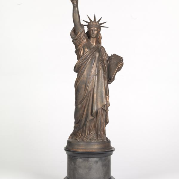 Frédéric Auguste Bartholdi (1834-1904). Estátua da Liberdade, ca. 1875. Museu da cidade de Nova York. 42.421