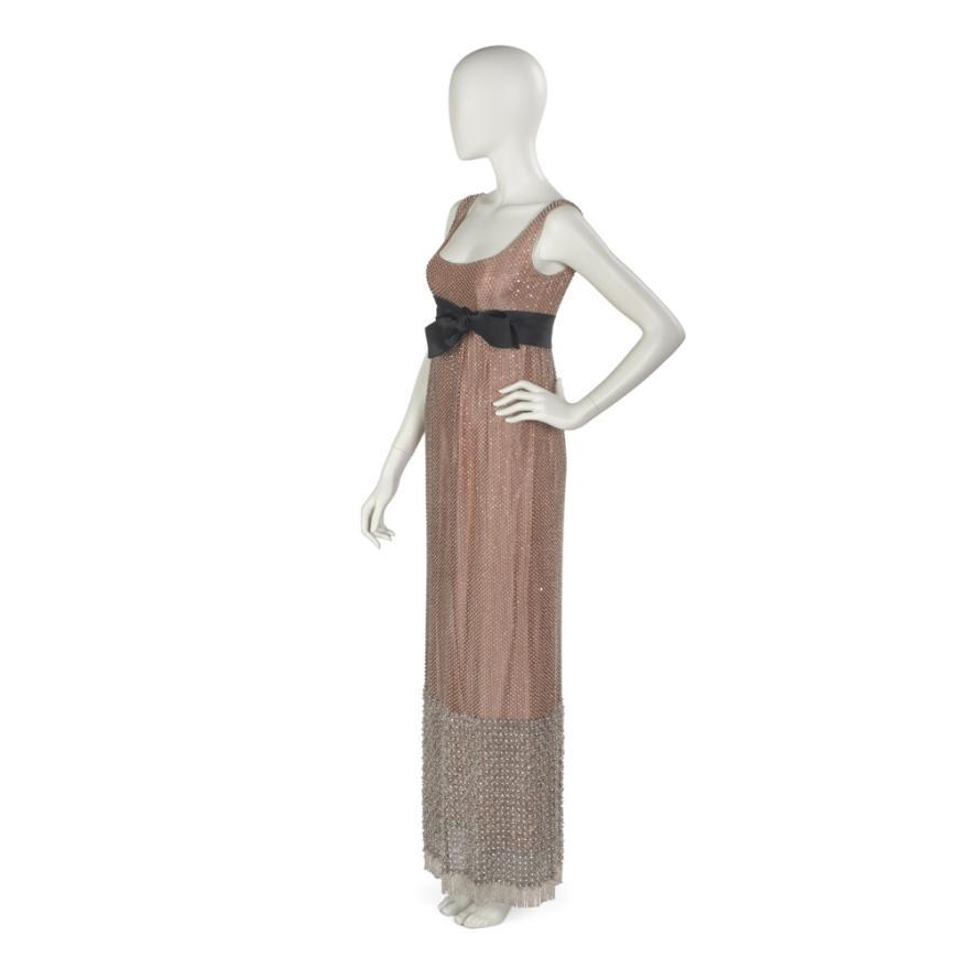 """""""다이아몬드 조직""""이브닝 드레스, 1963."""